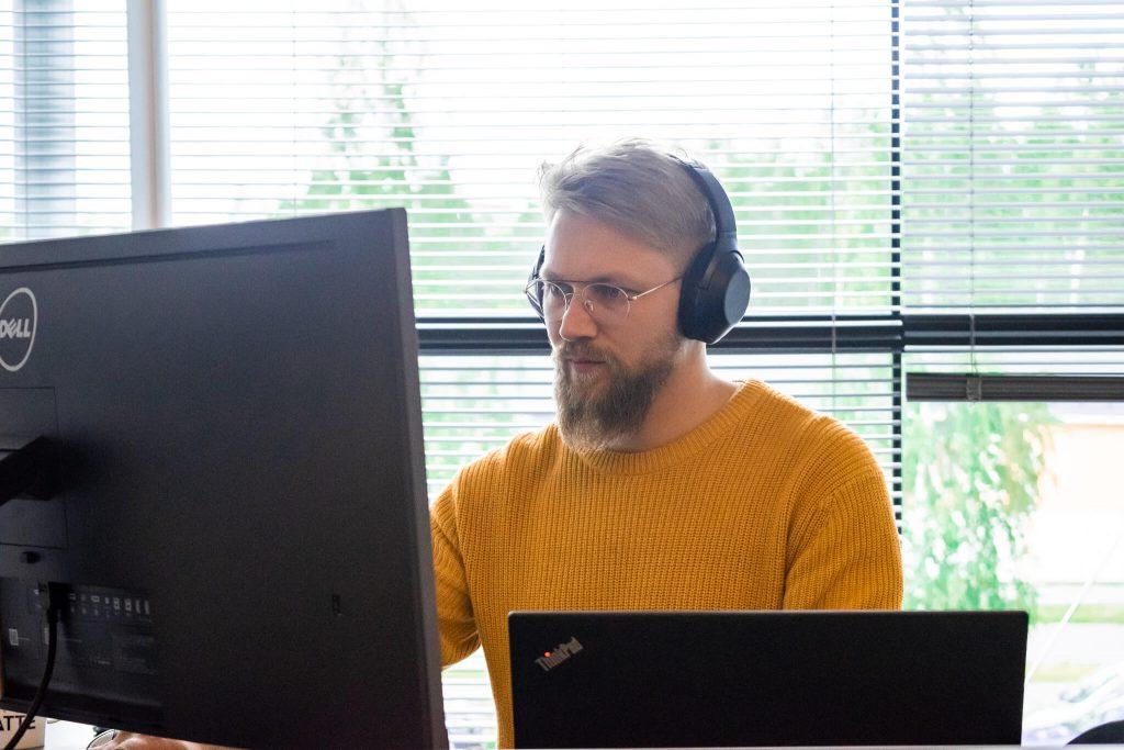Henrik at his desk
